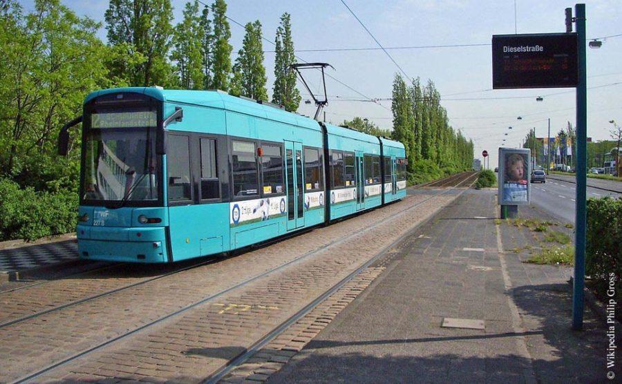 Strassenbahnlinie 12 an der Dieselstrasse